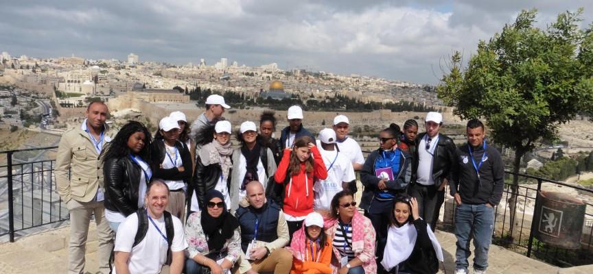 15 jeunes «ambassadeurs pour la paix» avec Latifa Ibn Ziaten